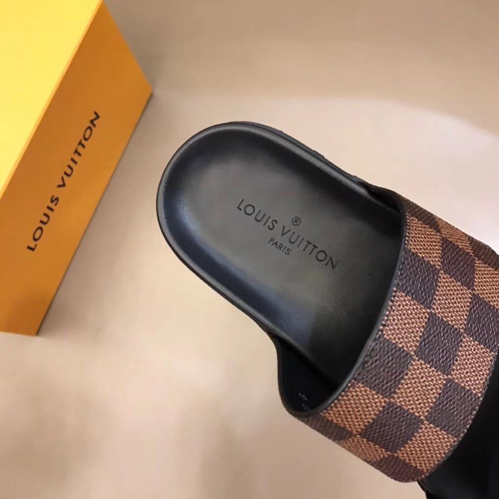 Dép Louis Vuitton nam like auth hai quai trơn caro nâu DLV06
