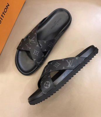 Dép Louis Vuitton nam siêu cấp quai chéo hoa ghi đen DLV27