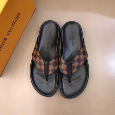 Dép Louis Vuitton nam like auth xỏ ngón caro nâu DLV10