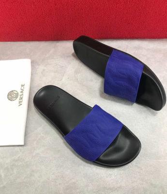 Dép Versace nam siêu cấp đế đen quai xanh hoạ tiết dập nổi DVS08