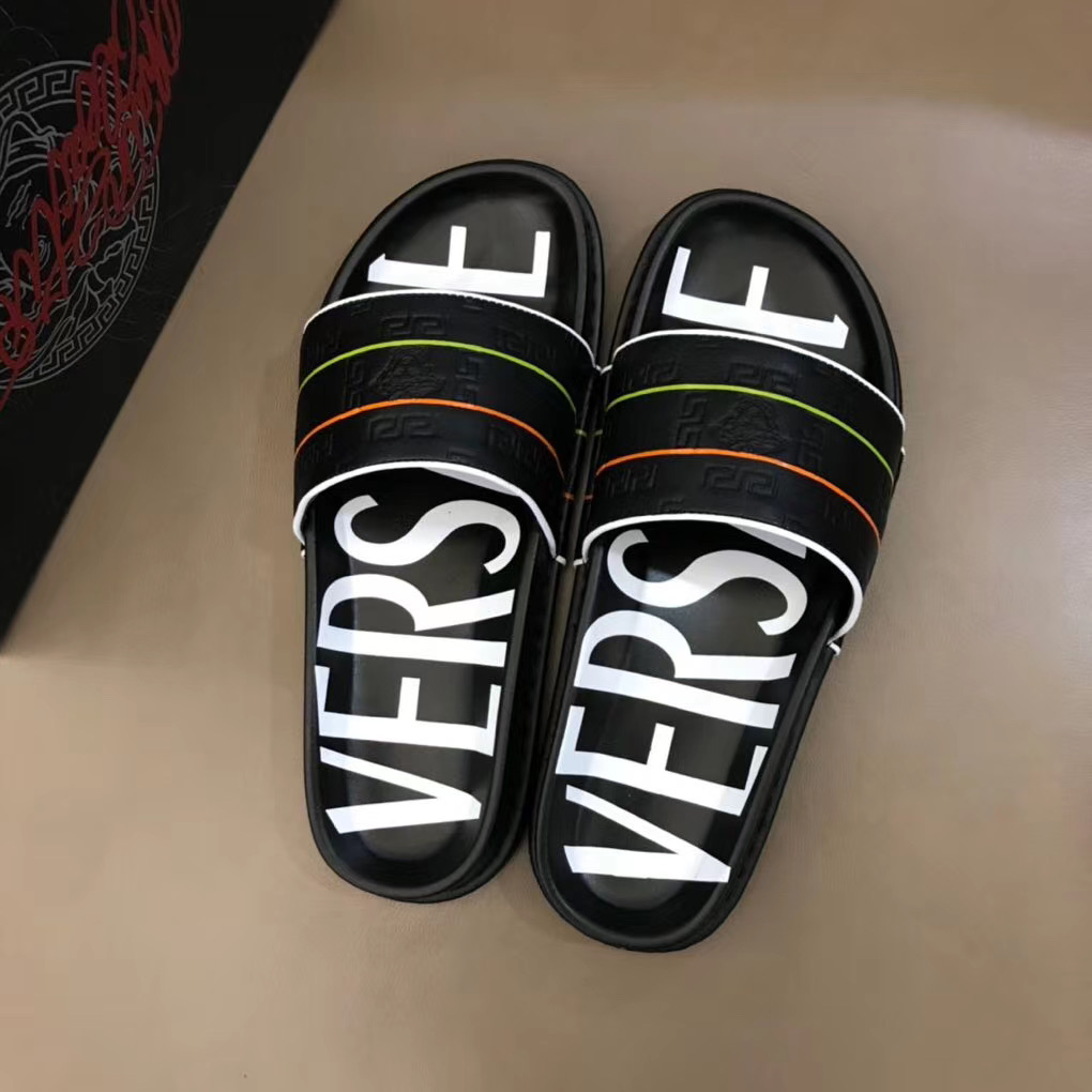 Dép Versace nam siêu cấp màu đen hoạ tiết nổi DVS12