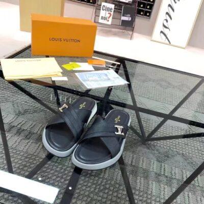 Dép Louis Vuitton siêu cấp nam quai chéo họa tiết logo lệch màu đen DLV36