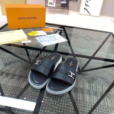 Dép Louis Vuitton nam siêu cấp quai ngang họa tiết logo lệch màu đen DLV38
