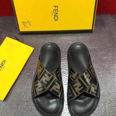 Dép nam Fendi siêu cấp quai chéo họa tiết logo màu vàng DFD21