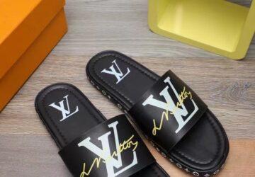 Dép nam Louis Vuitton siêu cấp quai ngang họa tiết logo viền đen DLV46